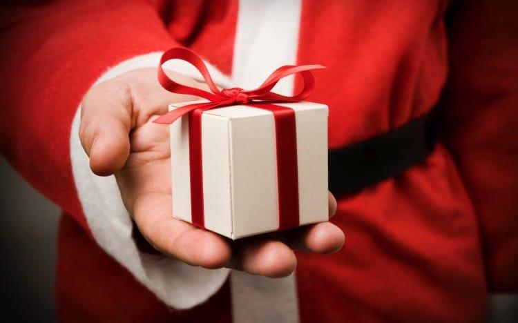 Des idées de cadeaux pour Noël avec Atelier de Famille - Bijoux Personnalisés