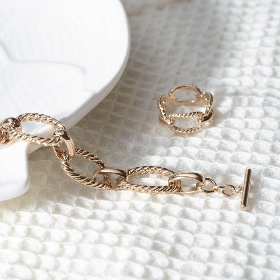 Combien dépense en moyenne une femme pour ses bijoux ?